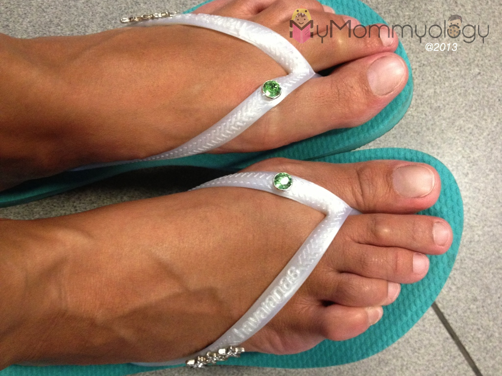 Pool Green sole, white slim strap, green crystals and three-star pins.