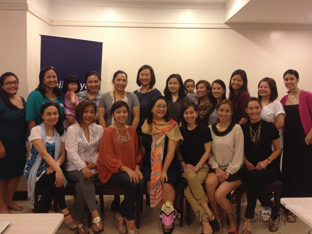 The wonderful SoMoms and friends (and SoKids!) With Coach Pia. :)
